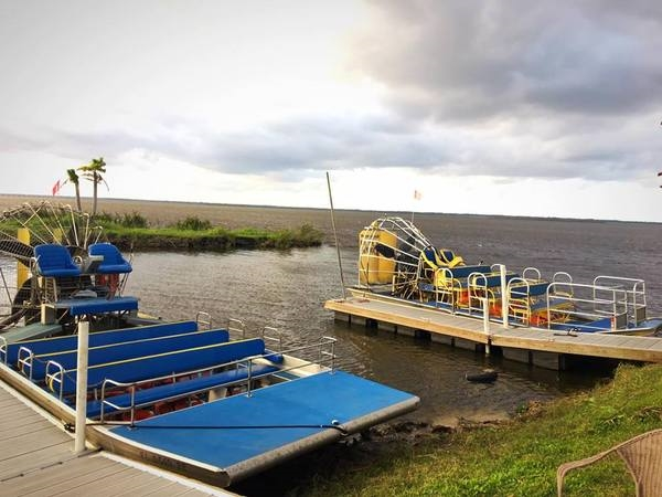 Black Hammock Airboat Tour of Lake Jesup and Bird Island